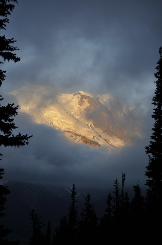 Sunrise to Pallisades Lakes - Mt Rainier National Park 010