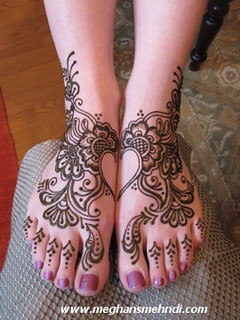 Arabic heart feet