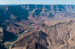Le Grand Canyon vu du ciel (PhotoSophil) Tags: arizona mountain nature water montagne river eau place williams desert air riviere transport canyon helicopter gorge ravin lightroom helicoptere grandcanyonnationalpark étatsunis aerien pentaxk20d