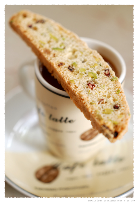 pistachio, pomegranate and orange biscotti© by Haalo