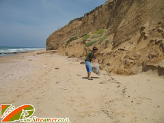 IMG_8079 (Streamer -  ) Tags: ocean friends sea green beach nature project israel garbage volunteers group cleanup clean safe bags  streamer initiative    ashkelon  envirnment       ashqelon