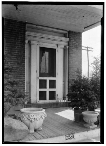 Warren house (doorway), Lakewood, Ohio