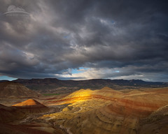 Riding the storm... (Jesse Estes) Tags: oregon stormy paintedhills jesseestesphotography