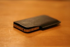 rethink Lim Phone Sleeve for iPhone 3GにiPhone 4を入れる