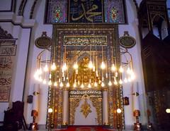 bursa 153 (ebruzenesen - esengül) Tags: turkey islam turkiye mosque bursa mimari camii anıt namaz kırmızı osmanlı büyük ulucamii müslüm ivazpaşa müslüman hüsnihat islammimarisi yıldırımbayezid ebruzenesen 13951399