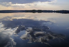 Dawn over Pyhajarvi, Priikoolinnokka (Niall Corbet) Tags: sky cloud lake reflection suomi finland dawn lempaala