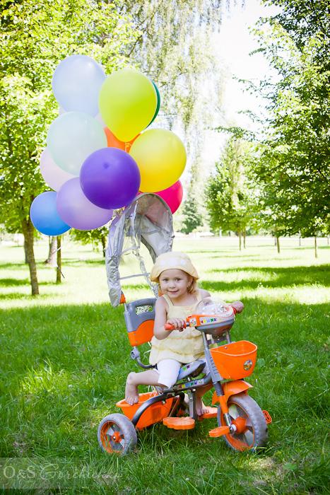Летний фотопраздник. Семейная фотосессия от детского фотографа. Ксюша