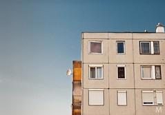 Panel-minimal (mmmt) Tags: blue windows sky nikon panel flat geometry balcony kitlens minimal 1855 avas miskolc satellit d40x avasdl