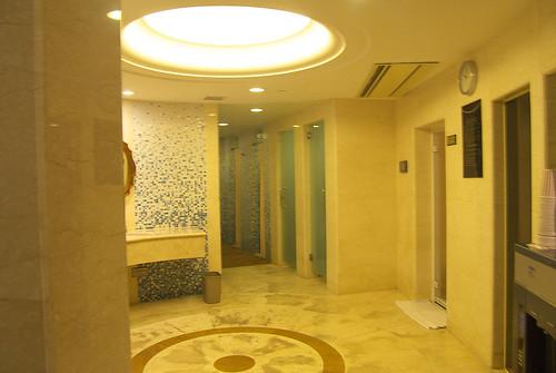 上海斯格威鉑爾曼大酒店 Pullman Shanghai Skyway