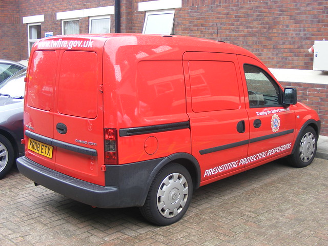 Fire Service: Vauxhall Combo CDTi KR08ETX Tyne and Wear Fire and Rescue