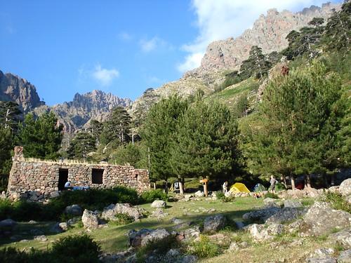 Vue du refuge de Puscaghja vers la Haute Lonca (photo Sylvain Guillaumon)