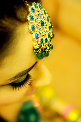 Kundan ... (alikami) Tags: wedding pakistan fashion bride nikon jewelry event lahore mehndi tikka forhead d90 alikami alikamran