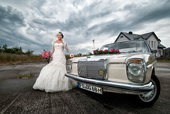 JENNY'S WEDDING DAY (Herz.schlag) Tags: wedding party sky woman look car mercedes bride dress jennifer oldtimer shooting weddingdress frau hochzeit herz liebe braut brautkleid trauung dramatisch