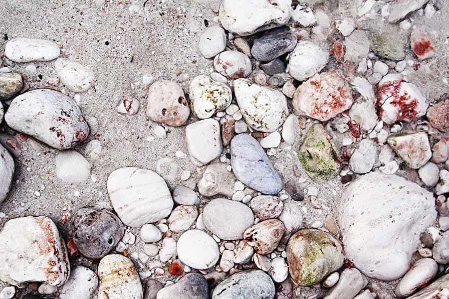 pebbles in Cala S'Almunia