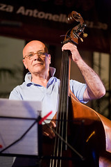 Enrico Rava Jazz Quartet 06 (Alessandro Grussu) Tags: life city italien urban italy music canon italia live jazz stadt urbana sicily 5d sicilia messina vita enrico citt quartet rava sizilien