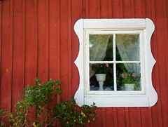 window (Per Ola Wiberg ~ powi) Tags: vacation finland july explore harmony juli ohhh 2010 musictomyeyes gonewiththewind aclass land givemefive favoritephotos fotoclub photohobby kartpostal photopassion thethreeangels diamondheart flickra