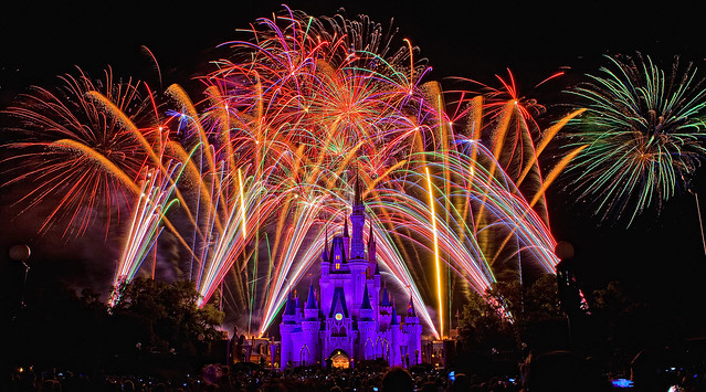 Magic Kingdom - Whole Lotta Fireworks Friday