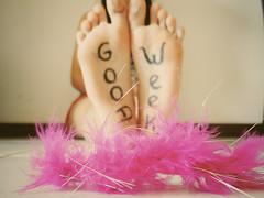 Good Week! [explored] (- Gergia) Tags: life pink cute love feet k happy foot hope idea toe o good d live g magic w creative boa momento e letter week pluma moment lovely semana dica criao tima apieceofme imaginations boasemana goodweek pensei cliquei