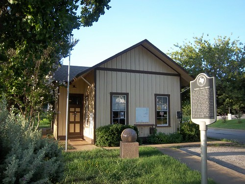 Marble Falls Depot, Marble Falls, Texas by fables98