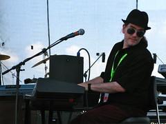 Dan Holmes Performing