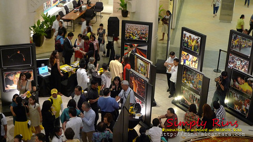 Noynoy Aquino's Campaign Photo Exhibit 05