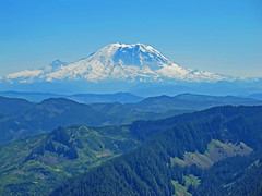 Mt. Ranier telephoto from Mt. Defiance