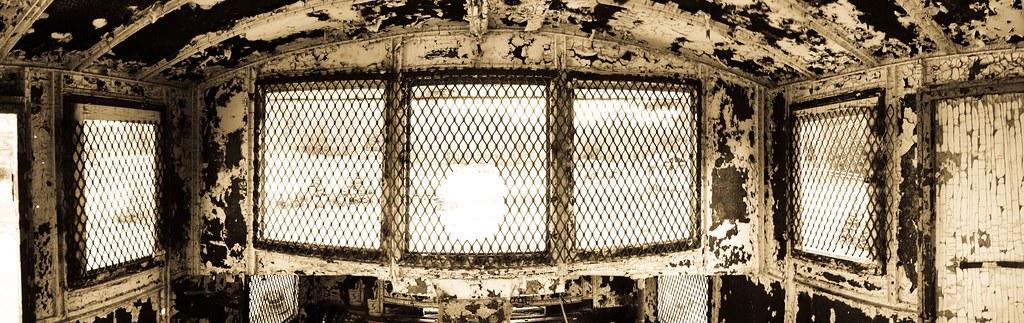 Intérieur d'une épave de drave : Le Basko