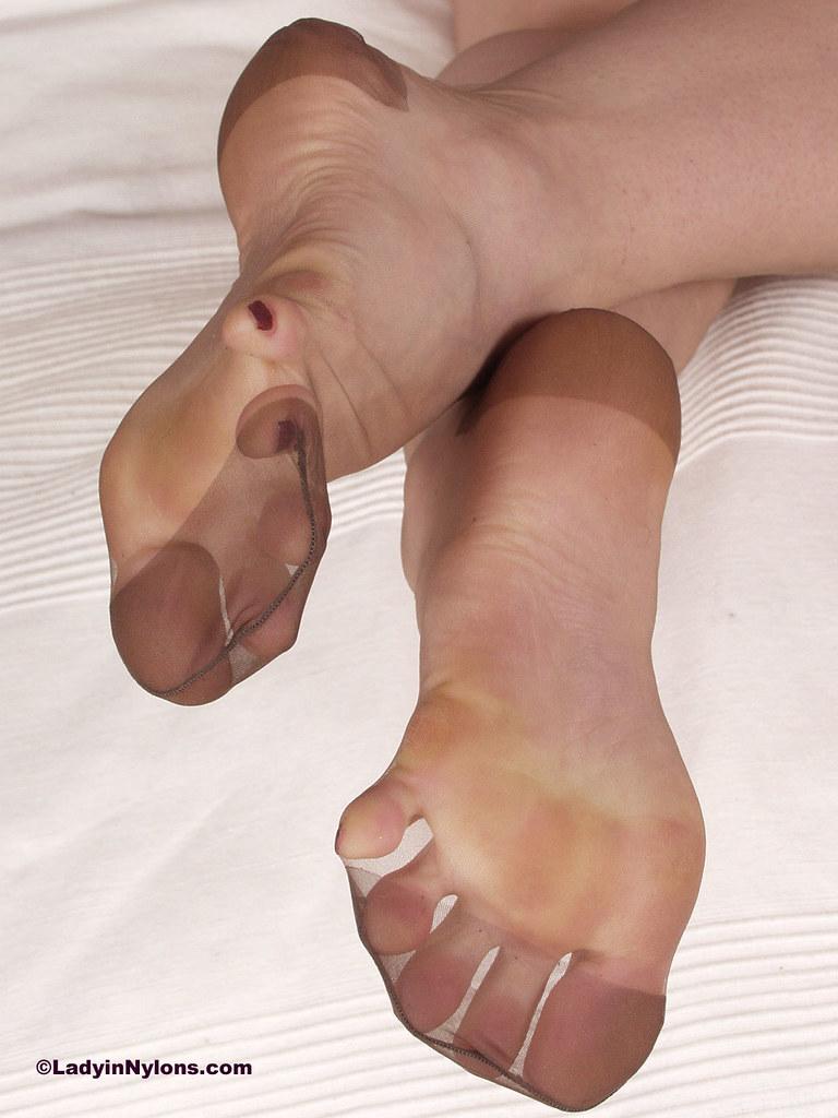 Rht nylonfeet stocking suggest