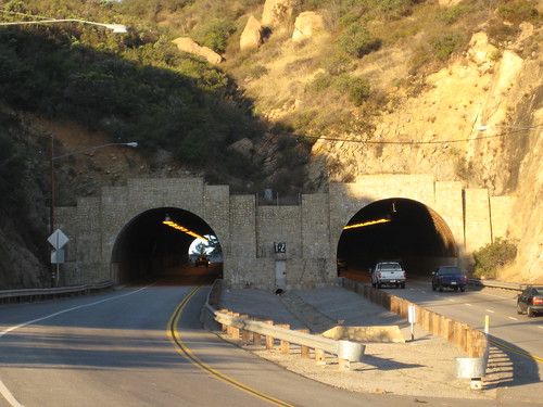 Kanan Road tunnel