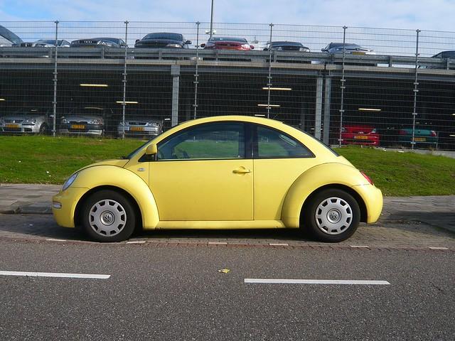 new car yellow volkswagen 2000 beetle spottedinthewild 85kw