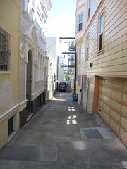 The Alleys of San Francisco (Winter Place, off Mason Street) (throgers) Tags: sanfrancisco california winter alley mason guesswheresf foundinsf winterplace gwsf thealleysofsanfrancisco