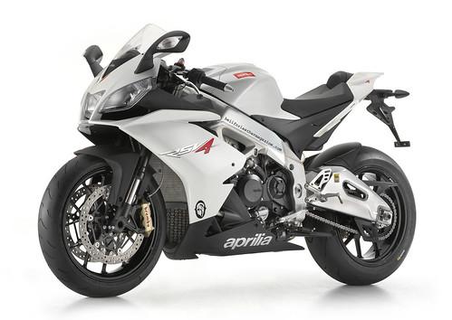 2010-Aprilia-RSV4-R-1