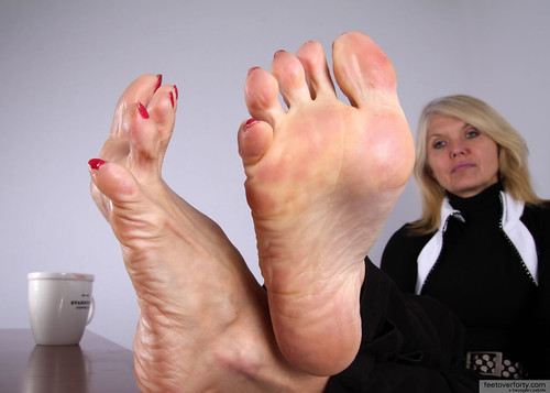 Sophia's mature sexy feet. comment and rate out of 10