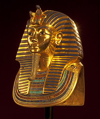 Tutankhamun Mask (Ganymede: Photography) Tags: madrid art beautiful gold golden casa interestingness interesting ancient nikon treasure mask artistic curves egypt exhibition explore pharaoh campo mascara tesoro impressive exposicion ancientegypt tutankhamun casadecampo d60 faraon tutankhamon nikond60 tutankhamunmask mascaradetutankhamon