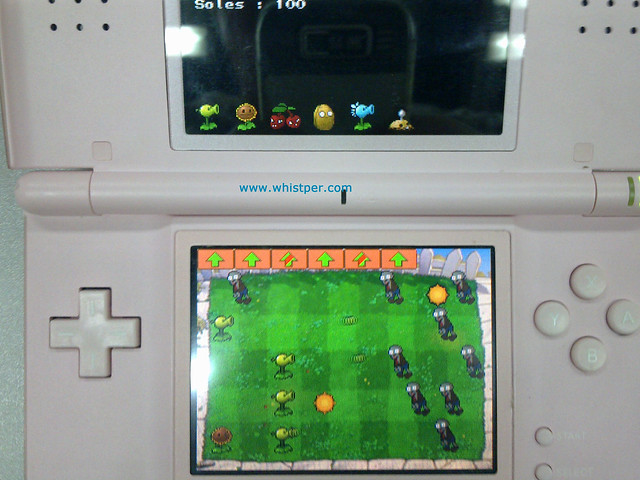 Plants vs Zombies in a Nintendo DS