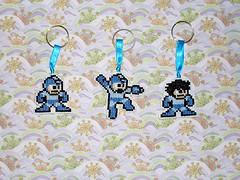 Chaveiros Megaman (inversecraft) Tags: keychain crossstitch nes megaman chaveiro pontocruz