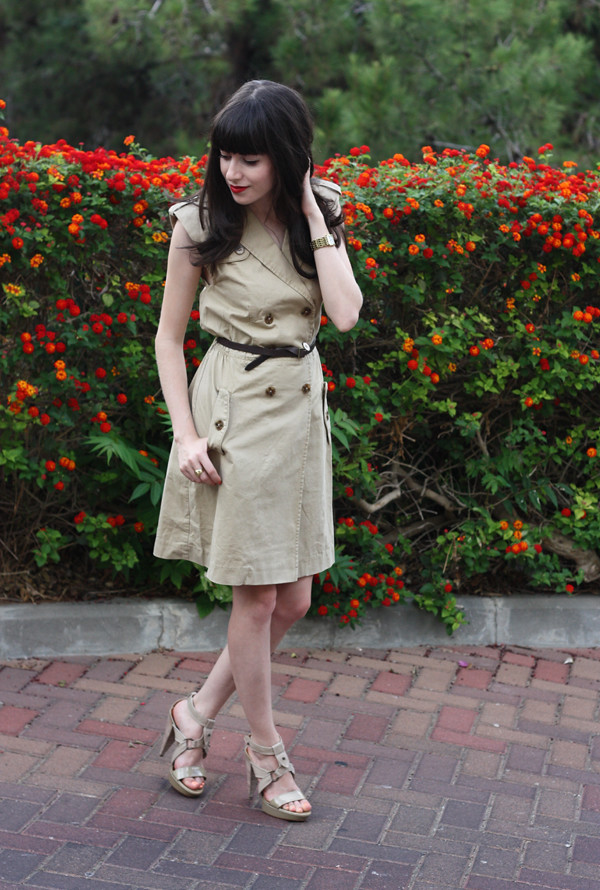 trench_dress2