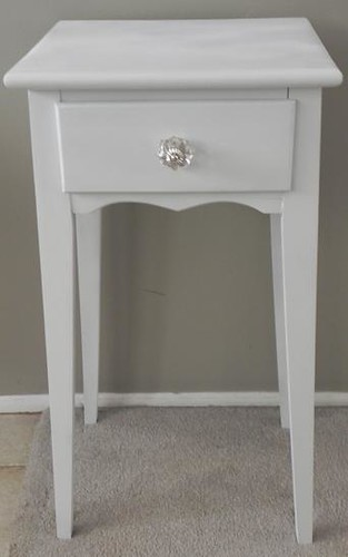White Cottage end table