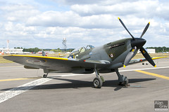 G-OXVI VICKERS SUPERMARINE SPITFIRE XVIE CBAF.IX.4262 PRIVATE Spitfire Ltd  - 100724 - Farnborough - Alan Gray - IMG_9326