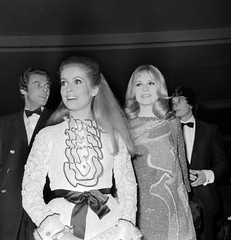 Catherine Deneuve and Franoise Dorleac (Famous Fashionistas (First)) Tags: 1967 givenchy christiandior catherinedeneuve vintagefashion 1960s franoisedorleac 1960sfashion