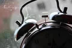 [11/201] (F.Photogrphy) Tags: morning window waiting time hour second noon minute 2pm tok tik aclock