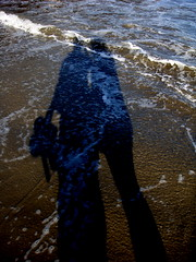 Beach Shadow (KJGarbutt) Tags: california travel blue light shadow sea people usa colour travelling love america photography waves blu sony unitedstatesofamerica cybershot traveling kurtis sonycybershot aroundtheworld garbutt kjgarbutt kurtisgarbutt kurtisjgarbutt kjgarbuttphotography