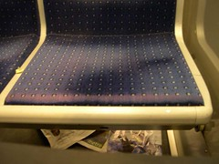 Métro - 06 (Stephy's In Paris) Tags: paris france underground subway nikon metro métro francia stephy nikoncoolpix4300 coolpix4300 métroparisien métropolitain métrodeparis stephyinparis