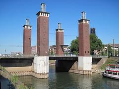 Duisburg - Schwanentorbrcke (.patrick.) Tags: bridge tower brcke turm duisburg ruhrgebiet nordrheinwestfalen innenhafen ruhrarea northrhinewestphalia schwanentorbrcke