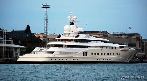 summer sky water suomi finland harbor boat helsinki nikon ship yacht verano finlandia kesä yate luxuryyacht d80 nikond80 jahti
