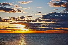 Atardecer (Sambeth) Tags: sunset sky sun colors del de atardecer la cielo colonia sacramento hdr humanidad patrimonio dblringexcellence