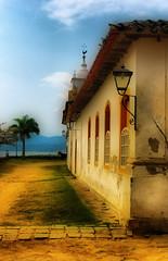 Igreja Nossa Senhora das Dores, Brasil - Paraty (Henrique Felippe - HOFelippe) Tags: cidade sky people woman cloud colour riodejaneiro paraty canon pessoa pessoas colour