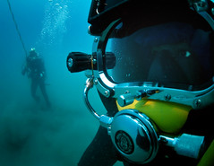 US and Mexican Navy Diver Mission (US Navy) Tags: divers underwater military militar mission usnavy ocano unitedstatesnavy mexicannavy seafloor marineros buceador