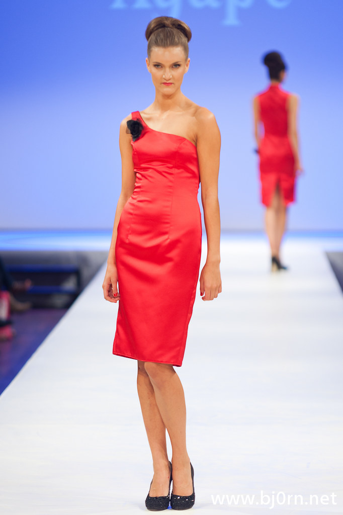 Foto: Bjørn Christiansen, Pia Haraldsen for Agape S/S 11 på Oslo Fashion Week høsten 2010
