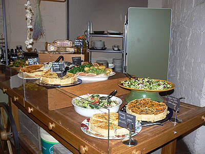 buffet crypte saint Paul.jpg
